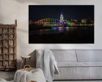 Regenboogkleuren brug bij Deventer over de IJssel vanwege Comingout-Dag van VOSbeeld fotografie