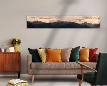 Panorama van bergtoppen Manning Provincial Park van Leon Brouwer