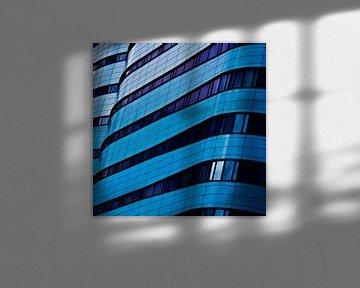 Gebouw in blauw (1) von Rob van der Pijll