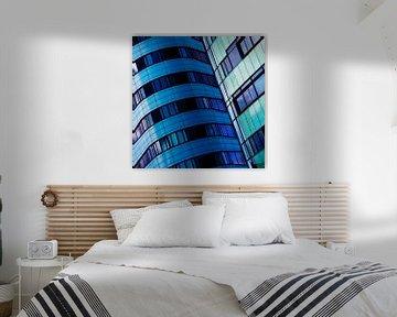 Gebouw in blauw (2) von Rob van der Pijll