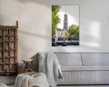 De Domtoren van Utrecht zonder steigers in oktober 2016 met de Weerdsluis van De Utrechtse Grachten
