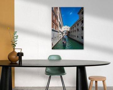 Blick auf die Seufzerbrücke in Venedig, Italien. von Rico Ködder