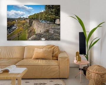 Une ancienne muraille de la ville de Saint Lo en France.