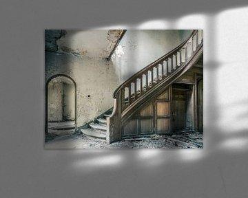 Trap in Verlaten Villa, België van Art By Dominic