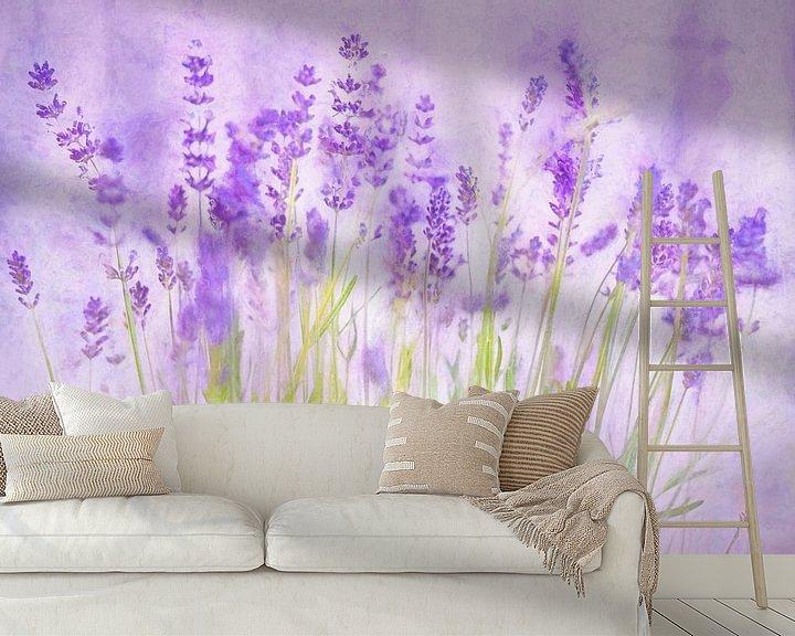 Sfeerimpressie behang: Lavendel in bloei van Arjen Roos