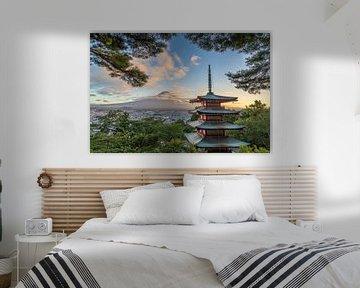 Die Chureito-Pagode und der Berg Fuji, Japan von Original Mostert Photography