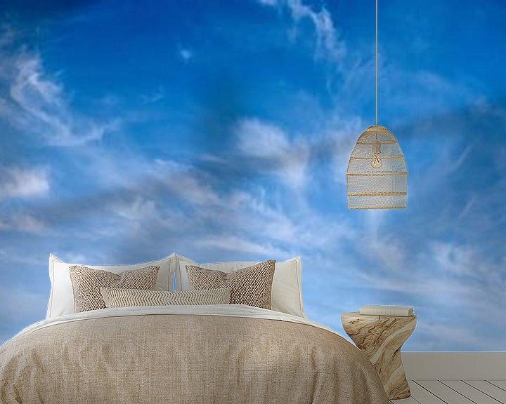 Sfeerimpressie behang: Blauwe lucht met wolken van Günter Albers