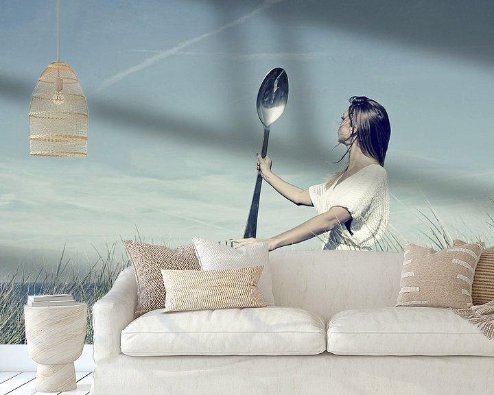 Sfeerimpressie behang: Meisje met vork en lepel van Hans Vink