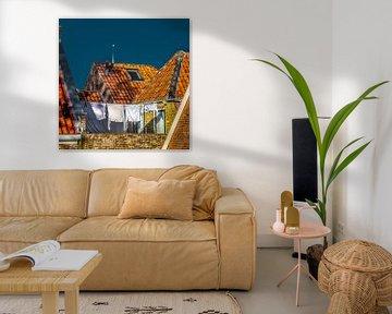 Oud Hollands gebruik- Maandag wasdag tussen de oranje dakpannen. van Harrie Muis