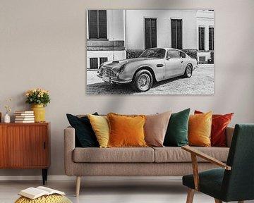 Aston Martin DB6 Britischer Grand-Tourer-Sportwagen in schwarz-weiß von Sjoerd van der Wal