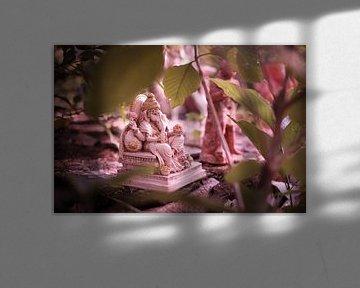 statue d'éléphant au cimetière de sculptures Inde sur Karel Ham