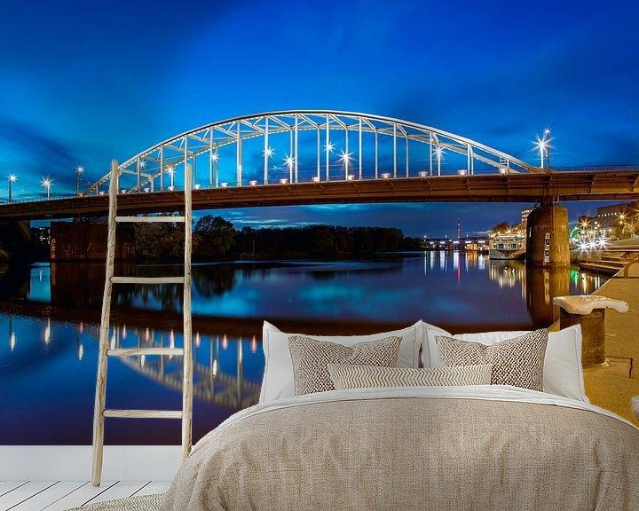 Sfeerimpressie behang: Arnhem, John Frostbrug nachtfoto van Anton de Zeeuw