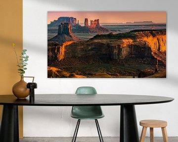 Sonnenaufgang von Hunts Mesa im Monument Valley von Henk Meijer Photography