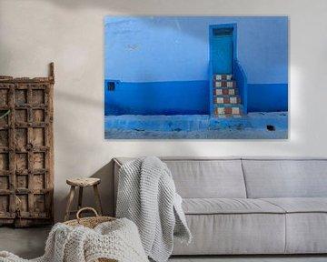 Alte Tür in Blue Medina von Chefchaouen, Marokko von Tjeerd Kruse