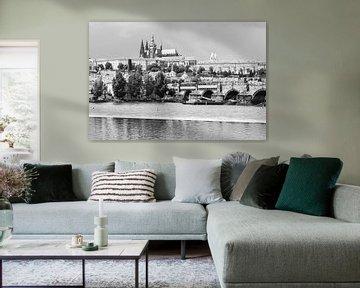 Karlsbrücke und Prager Burg von Easycopters