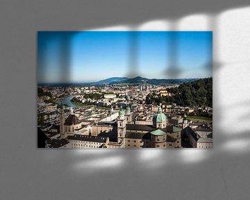 Zicht op Salzburg vanuit Festung Hohensalzburg van Easycopters