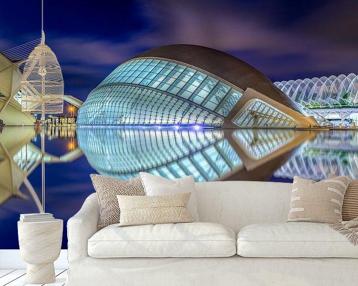 Sfeerimpressie behang: L'Hemisfèric van City of Arts and Sciences in Valencia van Ellen van den Doel