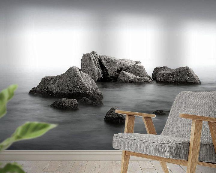 Beispiel fototapete: Felsen in einem ruhigen Meer von Mark Bolijn