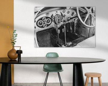 Bugatti Typ 43 klassische Sportwagen-Armaturentafel in schwarz-weiß von Sjoerd van der Wal