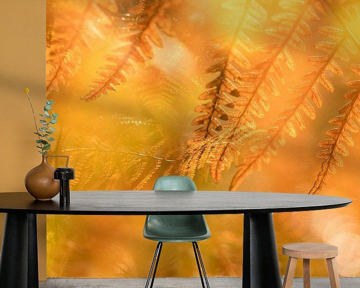 Sfeerimpressie behang: Herfstkleuren 1 van Paulien Varkevisser