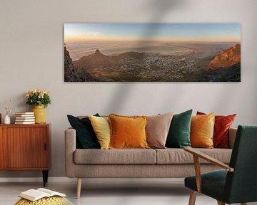 Kaapstad bij zonsondergang van Dennis Eckert