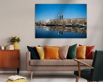 Utrecht, Veilinghaven met de nieuwe wijk Parkhaven, reflectie in water
