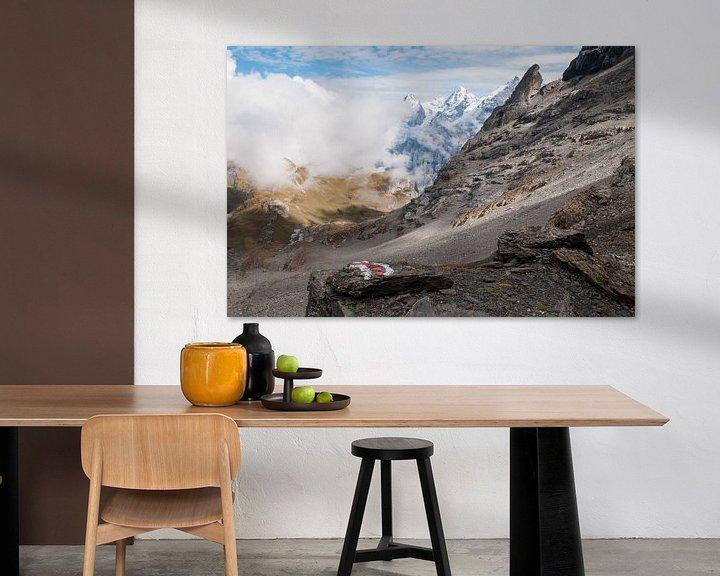 Sfeerimpressie: Jungfraumassief in de wolken van John Faber
