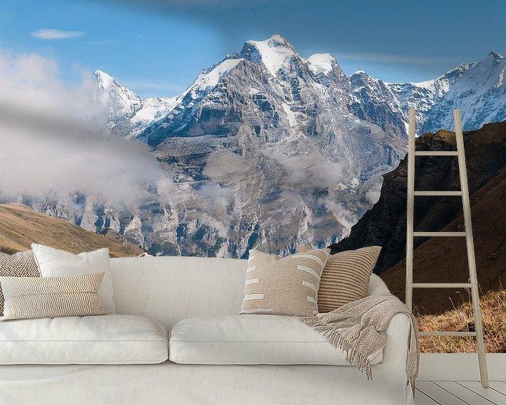 Sfeerimpressie behang: Jungfrau in de wolken van John Faber