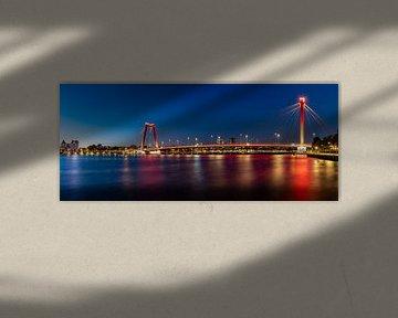 Willemsbrug in Rotterdam am Abend