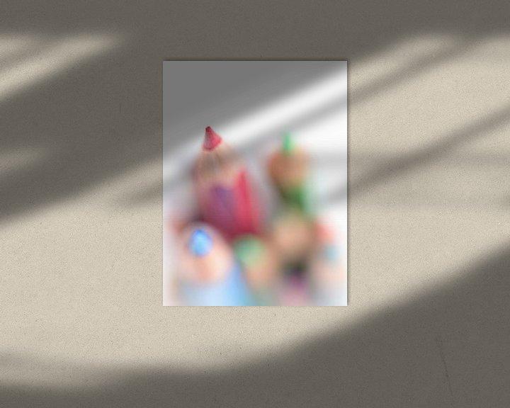 Sfeerimpressie: Point.... (rood, macro, kind) van Bob Daalder