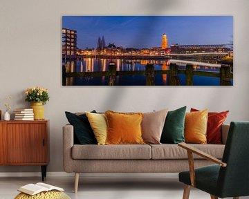 Avondfotografie Skyline Hanzestad Zwolle met de Perperbus van Martin Bredewold