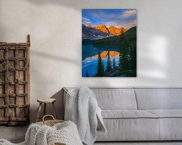 Lever du soleil au lac Moraine, Alberta, Canada sur Henk Meijer Photography