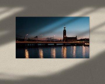 Stockholm Stadhuis in de avond van Kevin IJpelaar