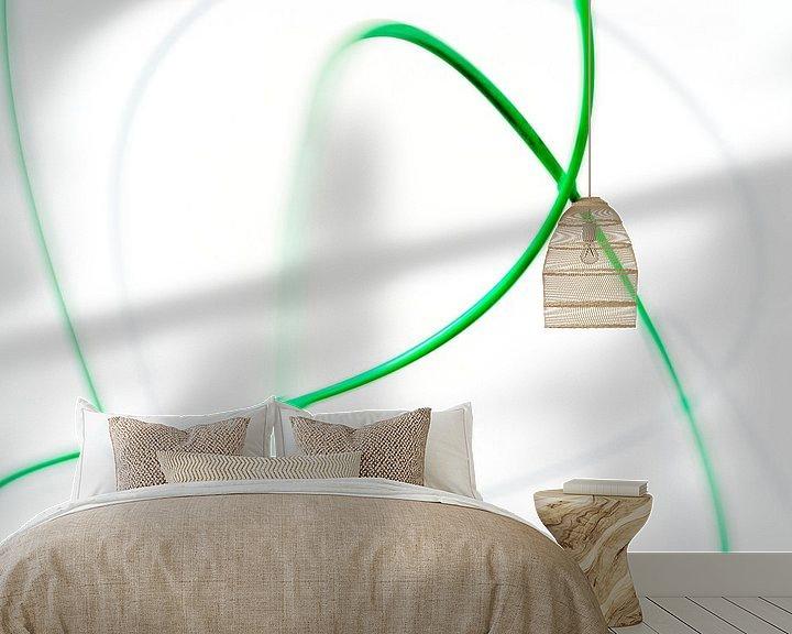 Sfeerimpressie behang: Moving green 3 van Cor Ritmeester