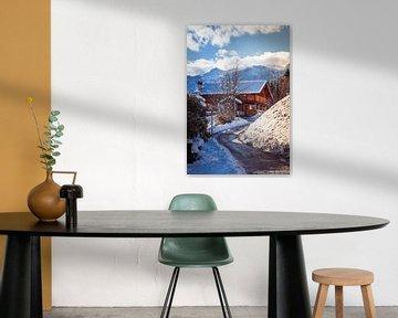 Österreichisches Holzhaus im Wintersportgebiet von Mariette Alders