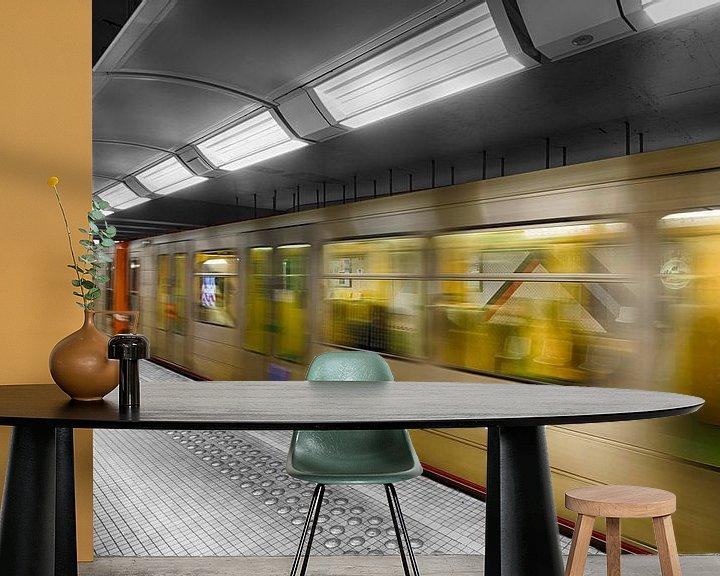 Sfeerimpressie behang: Metro in kleur van Mark Bolijn