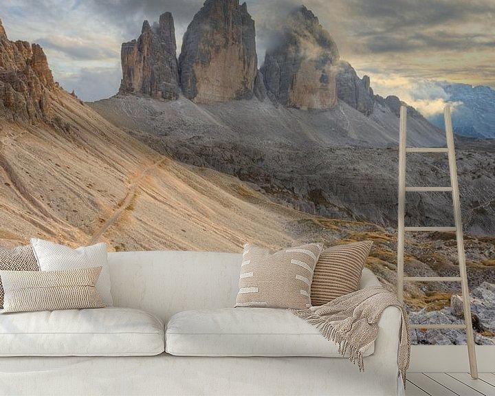 Sfeerimpressie behang: Tre Cime di Lavaredo in Zuid-Tirol van Michael Valjak