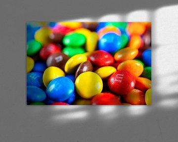 Kleurrijke M&M snoepjes van Sjoerd van der Wal