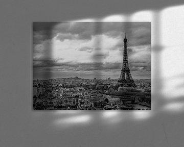 De Eiffeltoren torent overal bovenuit