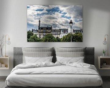 Paris von der Seite von Emil Golshani