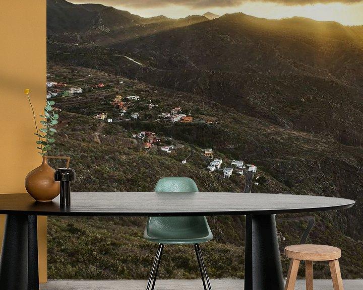 Sfeerimpressie behang: Zonsondergang nabij Los Silos van Sander Knopper
