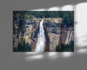 Indrukwekkende Nevada Fall in Yosemite van Peter Leenen