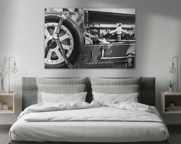 Bugatti Type 43, voiture de sport classique des années 1920, roue de secours et détail moteur sur Sjoerd van der Wal