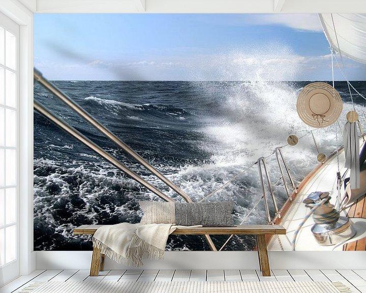 Sfeerimpressie behang: Zeilen in een storm van Jan Schuler