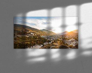 Sonnenuntergang in Sitten in der Schweiz von Werner Dieterich
