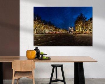 Plein De Brink in Hanzestad Deventer met museum De Waag