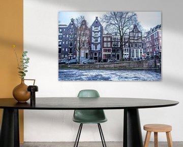 Amsterdamse grachten met ijs. van Marleen Kuijpers