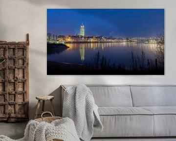 Skyline Deventer tijdens schemering van Lynxs Photography