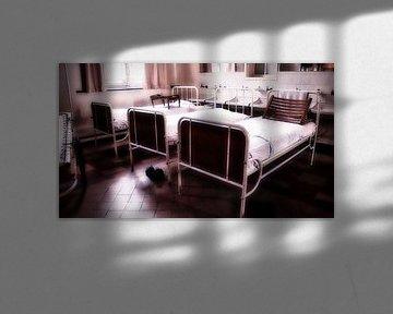 Klassische Krankenhausbetten von Faucon Alexis