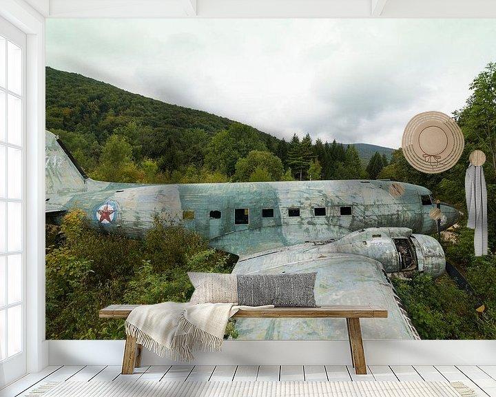 Beispiel fototapete: Verlassenes Wrack von Militärflugzeig Dakota Kroatien von Ger Beekes